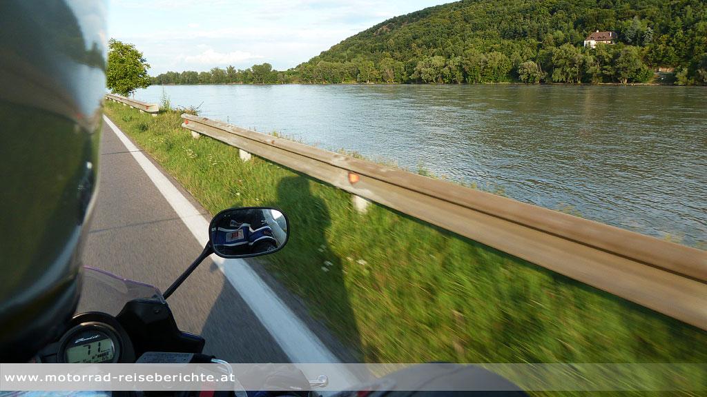 Motorrad Wachau Donau Fluß