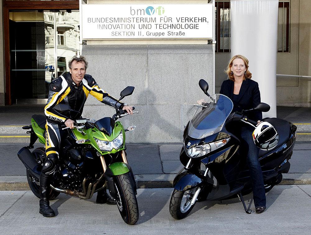 mehr sicherheit beim motorradfahren vom. Black Bedroom Furniture Sets. Home Design Ideas